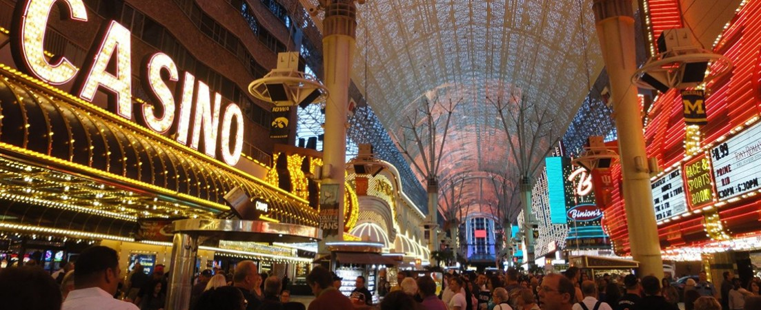 7-Day Tour The Gold Experience - National Parks, California, Las Vegas and  the Canyons